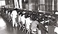 国際電話交換室